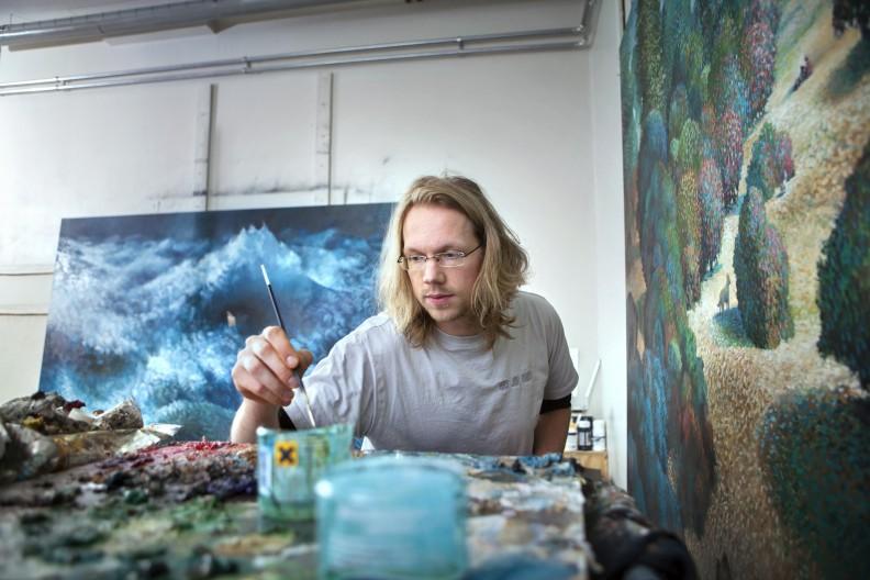 Samuli Heimonen työhuoneellaan Kangasniemellä vuonna 2012. Kuva: Petri Blomqvist