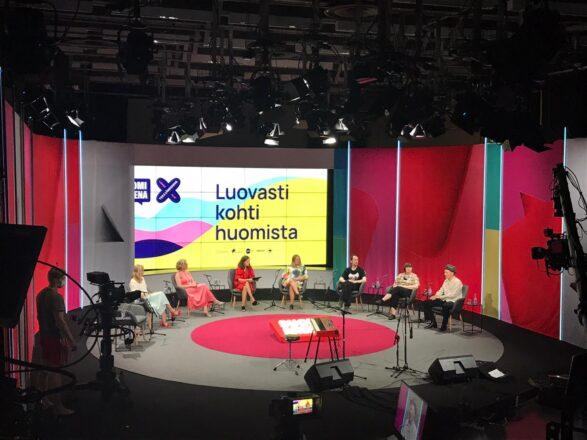 Yleiskuva Maikkarin studiolta M1, jossa keskustelu järjestettiin